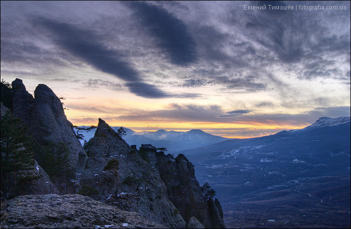 Скалы Демерджи на закате