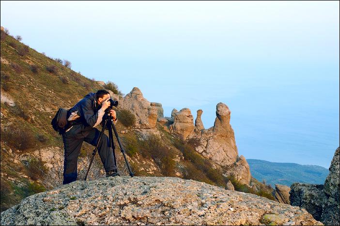 Фотограф с сумкой KATA T-214