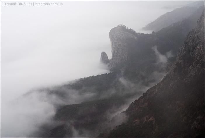 Склон Ай-Петри в облаках