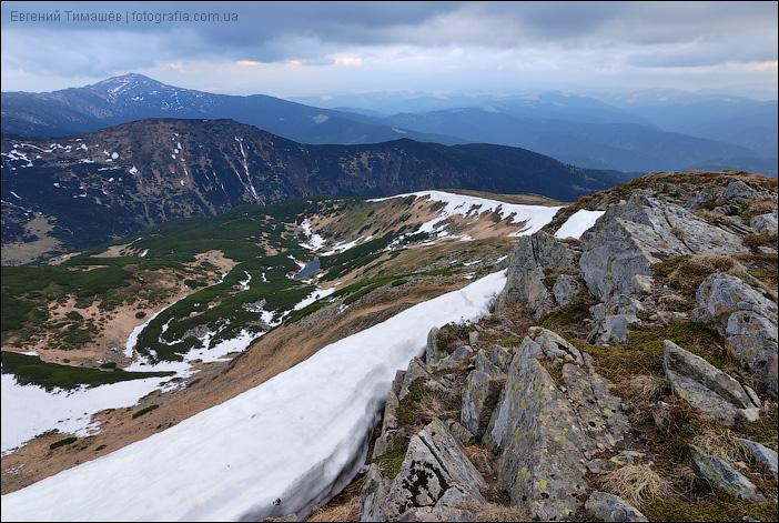 Карпаты, вид с горы Гутин Томнатик
