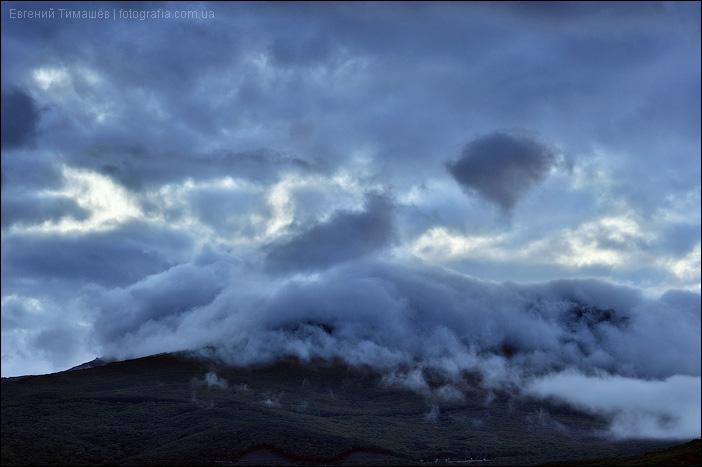 Закатные облака в горах