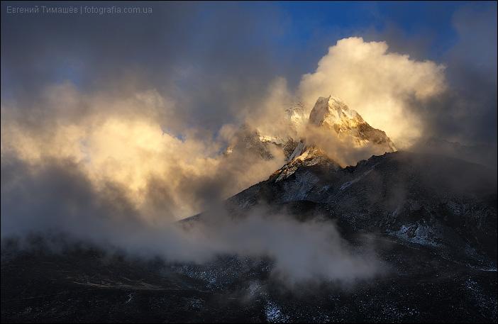 Ама Даблам в закатном свете, Непал
