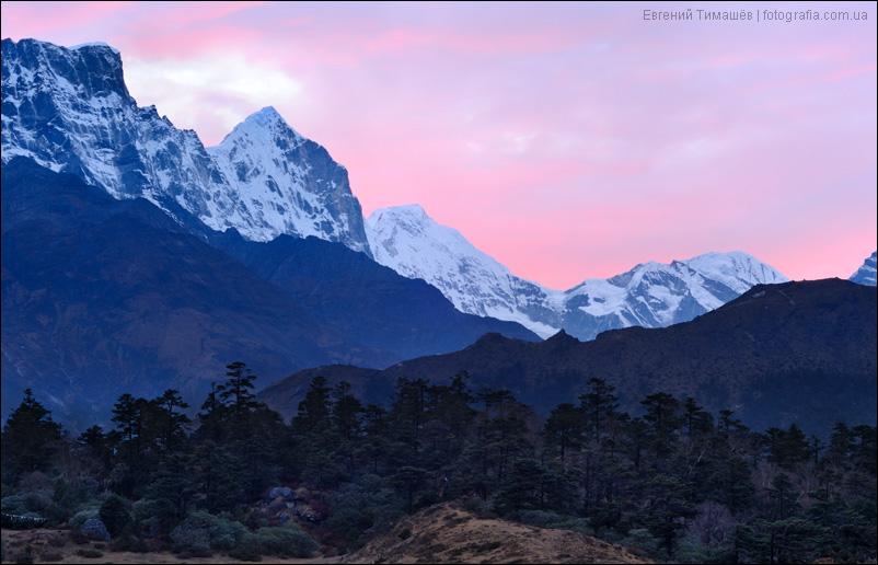 Закат в Гималаях, Непал
