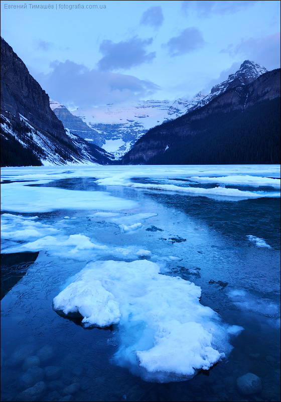 Озеро Lake Louise, Канада