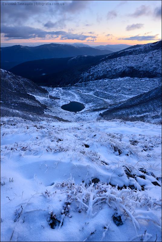 Вид на озера Ворожеска, Свидовец, Карпаты