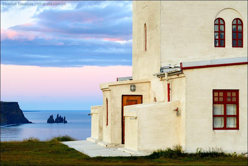 Исландия, маяк, Вик, Пальцы тролля, Рейнисдрангар